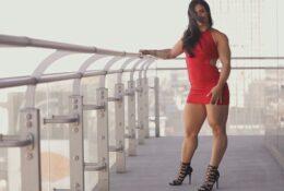 Perfect massive legs of Kristina Nicole
