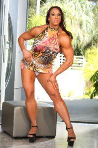Sexy bodybuilding woman amber deluca posing nude