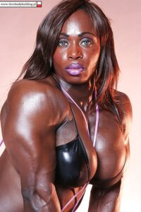 Dayana Cadeau teasing us with muscle body