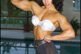 Sharon Bruneau Photo Set Flexing