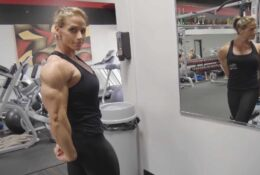Sculptural Theresa Ivancik Works Out and Poses Ripped Upper Body