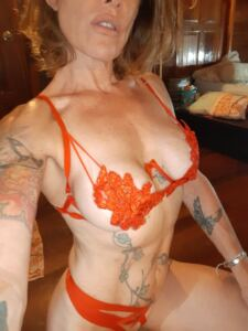 SELENA FIT online MUSCLE RIPPED MILF