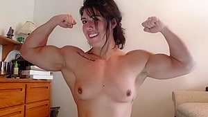 Topless Girls With MUSCLE