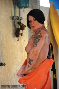 Massive Female BodyBuilder MELODY SPETKO part1