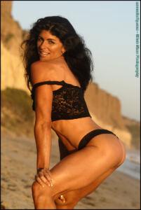 Tara Caden – Fit Ripped Abs Topless