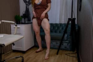 Mary_Lise big quads and strong biceps beautiful fit redhead LIVE !!