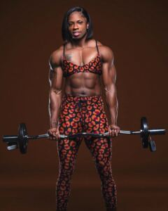 pictures of chiseled SAMMICA CASH