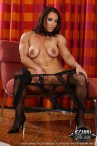 Sexy Muscle Brandi Mae Photo Set
