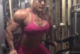 Lisa Cross Pumping Delt