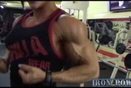 SUZY KELLNER SEXY MUSCLE TRAINING AND POSING