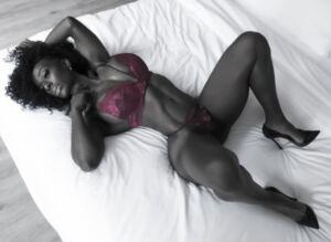 Perfect Muscle Girl Ebony TORONICA JENKINS