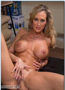 FIT AND RIPPED MILF BRANDI LOVE