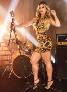 Kelly Key had Perfect Muscle LEgs