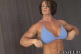 Massive Sexy Female Bodybuilder POSING ALEESHA