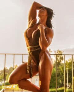 HOT SEXY Female BODYBUILDER CINDY LANDOLT