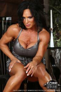 Rhonda Lee muscular naked and big clitoris