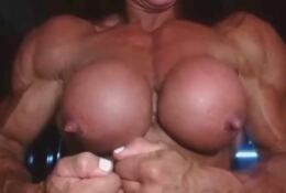 FBB Big Boobs Big Pecs on cam